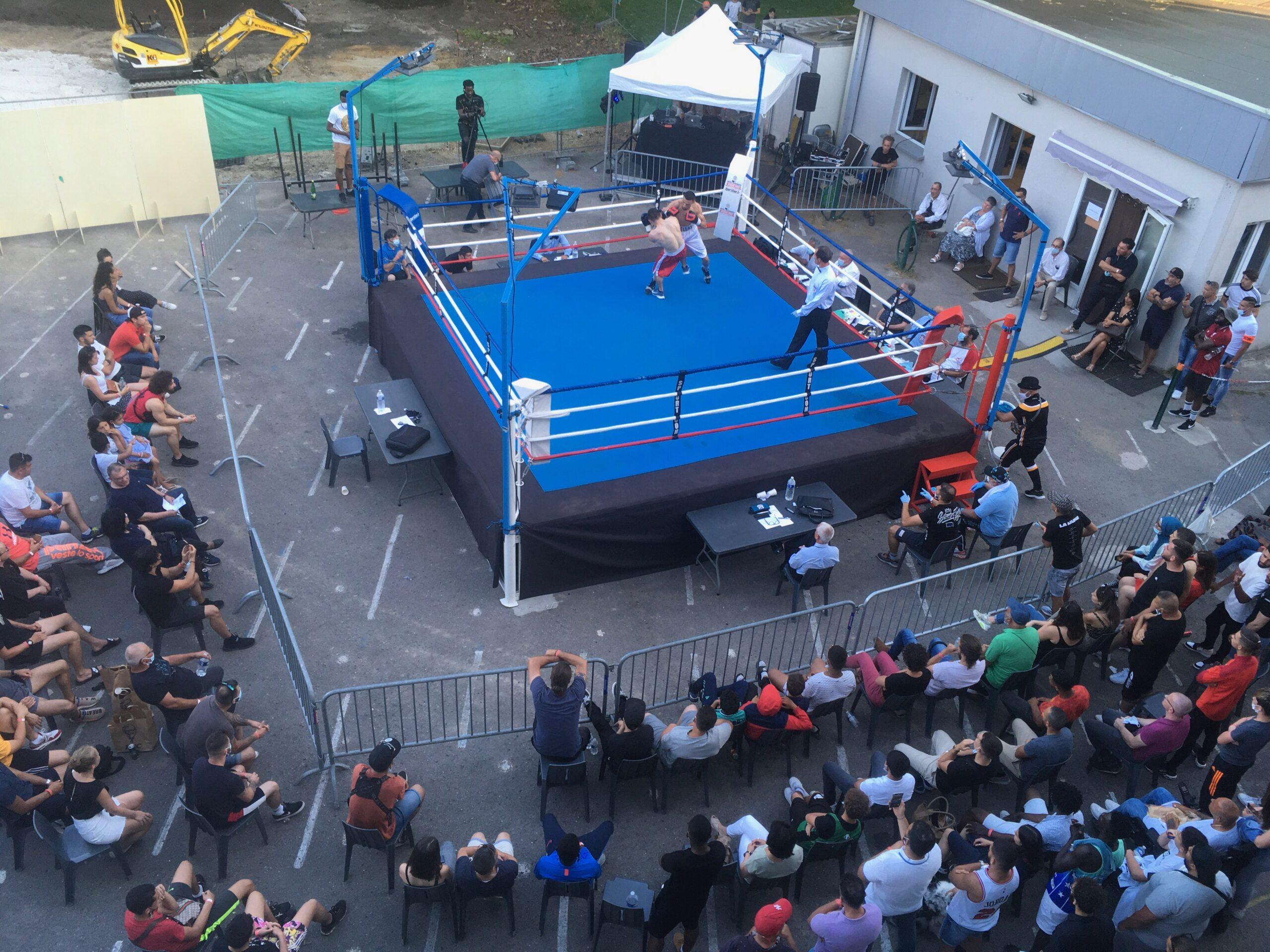 ring de boxe en plein air